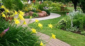 homeowners associations lawn service